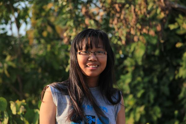 With Earn's intelligence and high aspirations nobody was surprised she passed exams for the difficult math-science track at Phrao High School.