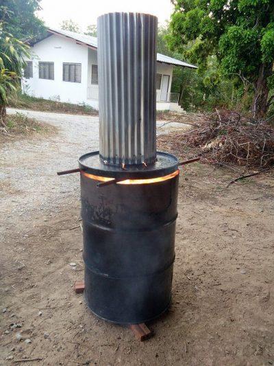 Simple barrel biochar oven