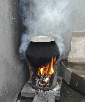 This image has an empty alt attribute; its file name is Chulla-stove.png